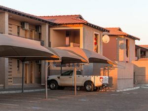 Kathu Inn hotel parking