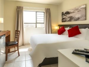 Kathu Inn hotel bedroom